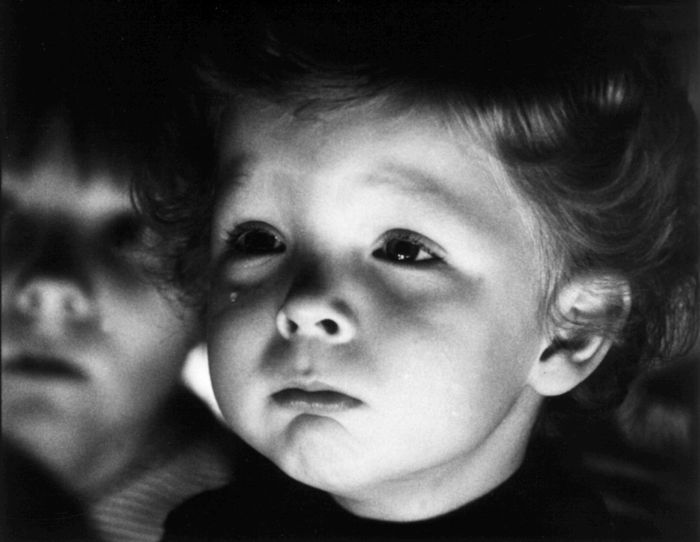 """Kadrs no Herca Franka klasiskās dokumentālās filmas """"Vecāks par desmit minūtēm""""(1978)."""