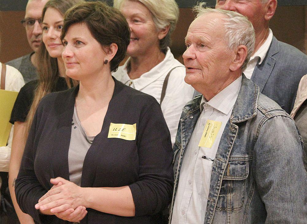 Ilze Viņķele ir jaunās partijas idejas autore, taču tajā iesaistījušies arī daudzi citi viņas radi, to vidū tēvs Juris Vidiņš.