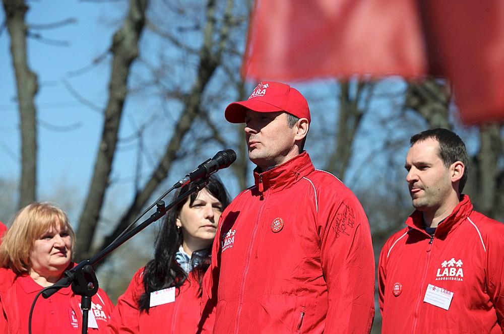 """Arodbiedrības """"LABA"""" un Arodbiedrību koordinācijas centra vadītājs Raimonds Gailis. Šā gada pašvaldību vēlēšanās viņš zaudēja deputāta vietu Rīgas domē, kur iepriekš bija ievēlēts no """"Saskaņas""""."""