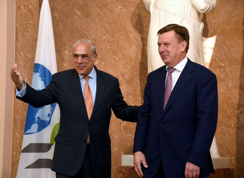 Ministru prezidents Māris Kučinskis (no labās) un OECD ģenerālsekretārs Anhels Gurijs tikšanās laikā Ministru kabinetā.