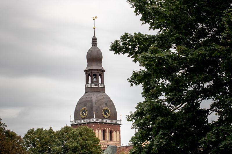Rīgas Doma tornis Herdera laukumā 6.