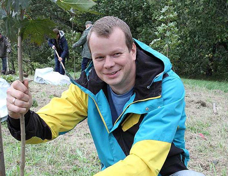 """No labas mežsaimniecības brīvprātīga popularizētāja Mārcis Saklaurs kļuvis par kooperatīva """"Mežsaimnieks"""" Ziemeļvidzemes daļas vadītāju."""