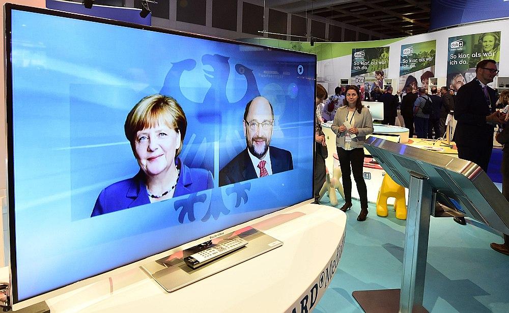 TV debatēs Angela Merkele un Martins Šulcs izvairījās no tiešas konfrontācijas, jo viņu partijām var nākties atkal veidot koalīciju pēc vēlēšanām, uzskata liberālās Brīvo demokrātu partijas vadītājs Kristiāns Lindners.