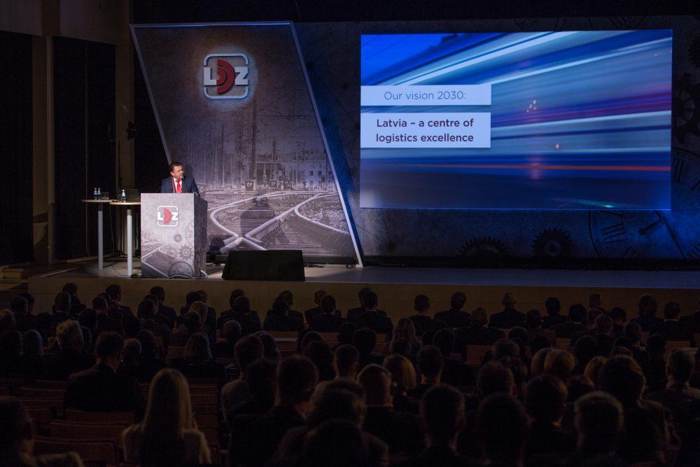 """VAS """"Latvijas dzelzceļš"""" (LDz) konferencē """"Globālās transporta kustības izaicinājumi"""" Rīgā pulcējās  vairāk nekā 400 loģistikas ekspertu no 35 pasaules valstīm, kuru vidū ir gan vairums Eiropas Savienības valstu, gan arī Azerbaidžānas, Baltkrievijas, Indijas, Japānas, Kazahstānas, Krievijas, Ķīnas, Turcijas, ASV u.c. valstu pārstāvji."""