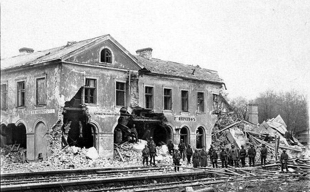 Sākotnējo Skrīveru staciju sagrāva Pirmajā pasaules karā.