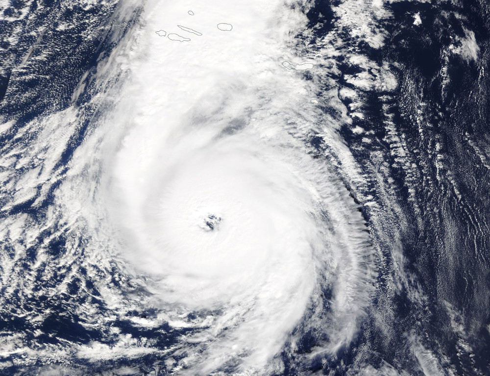 """Viesuļvētra """"Ofēlija"""" no Azoru salām virzās uz Īrijas pusi."""