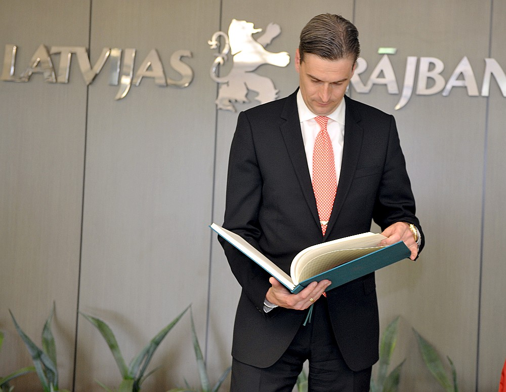 Mārtiņš Bondars kā Latvijas Krājbankas valdes priekšsēdētājs 2009. gadā.