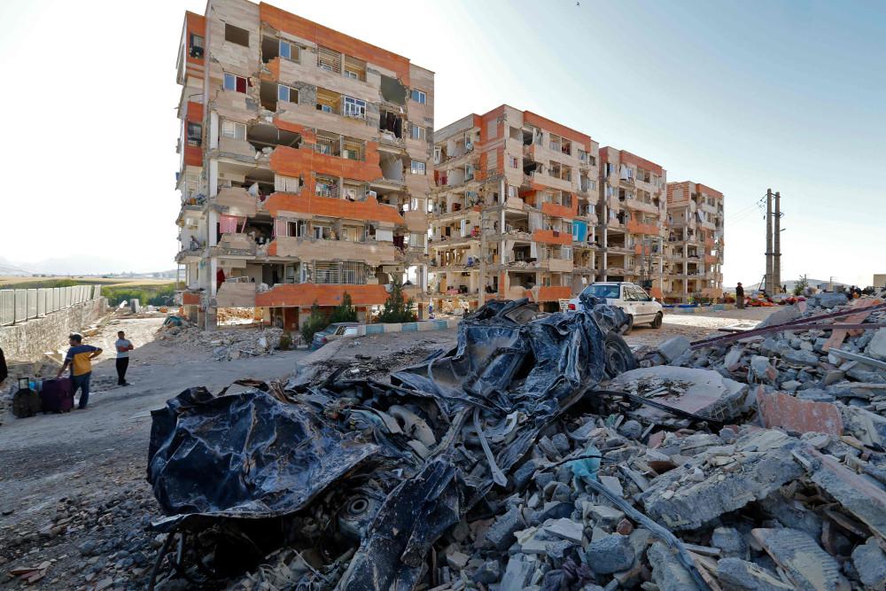 Postoša, 7,4 magnitūdas stipra zemestrīce tikai pirms nedēļas piemeklēja Irānas un Irākas pierobežu.