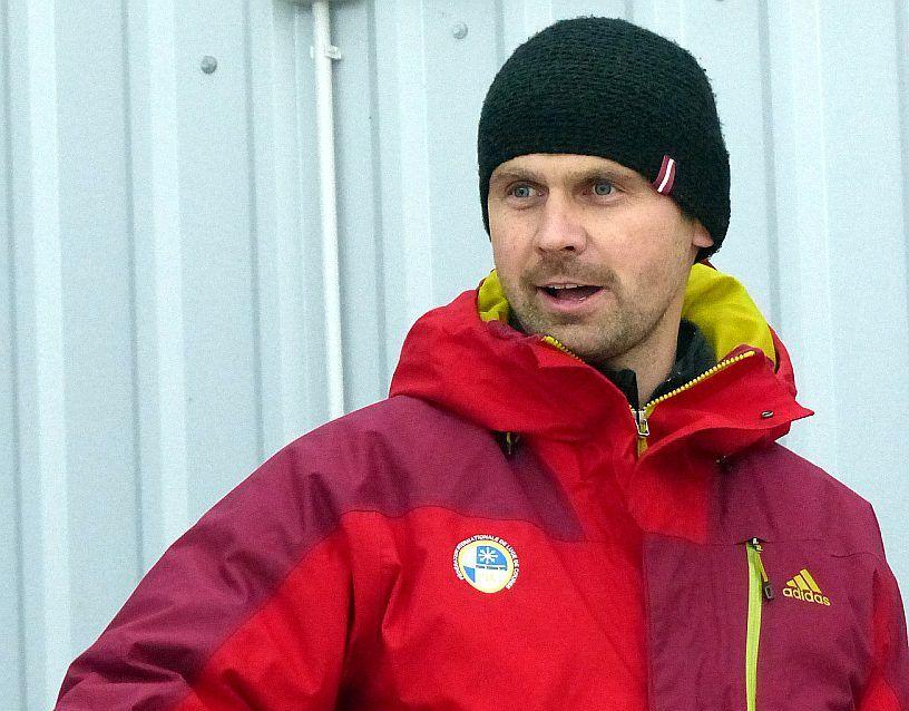 Latvijas kamaniņu sporta izlases galvenais treneris Kaspars Dumpis