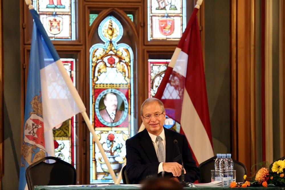"""Rīgas domes priekšsēdētāja vietnieks Andris Ameriks piedalâs partijas """"Gods kalpot Rîgai"""" kongresā."""