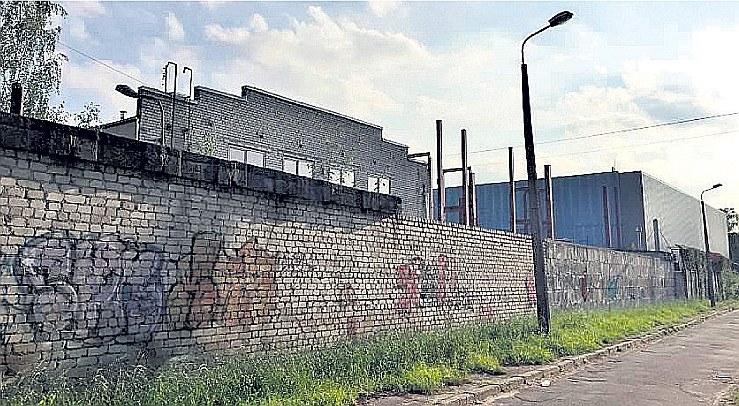 """Vērtīgākais nodokļu parādnieku īpašums, pret kuru Valsts ieņēmumu dienests šobrīd vērsis piedziņu, ir atklātās muitas noliktavas SIA """"Transimpeks terminal"""" nekustamais īpašums Rīgā, Zārdu ielā."""