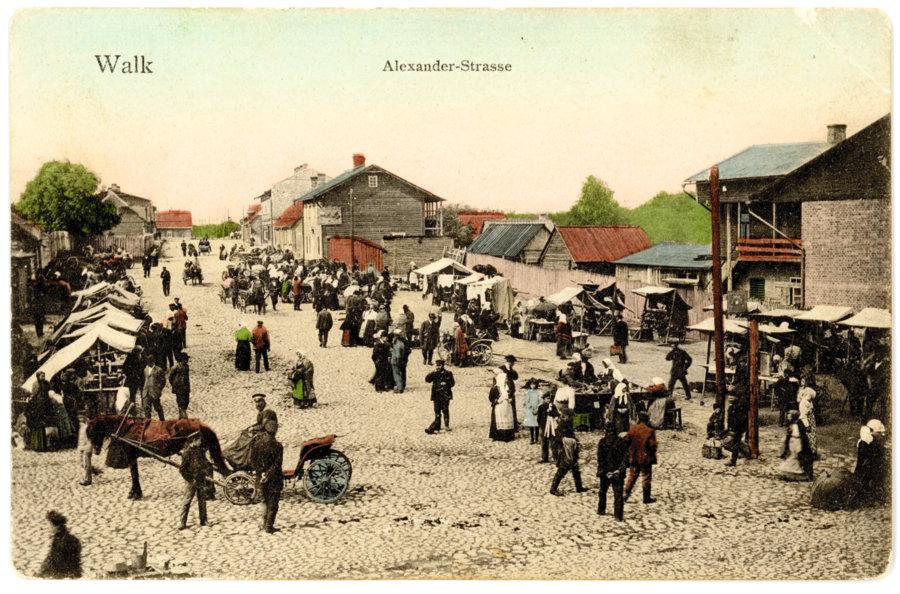 Valka. Aleksandra iela (tagad Lai ielas sākums Valgā, Igaunijā). Ap 1912. gadu.