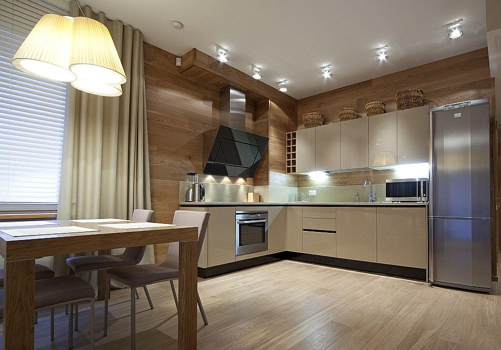 LED gaismu izmantošana modernā interjerā studio tipa telpā.