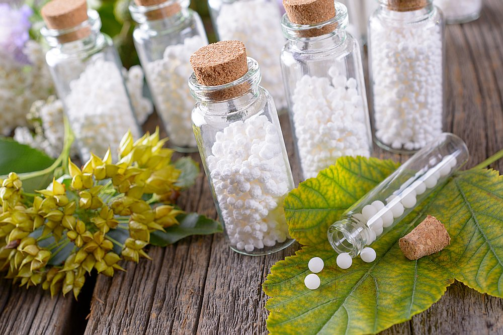 Homeopātisko preparātu izgatavošanā izmanto tikai dabas vielas: minerālus, augus, sēnes.
