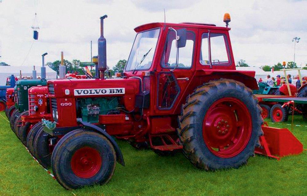 'Volvo' traktors
