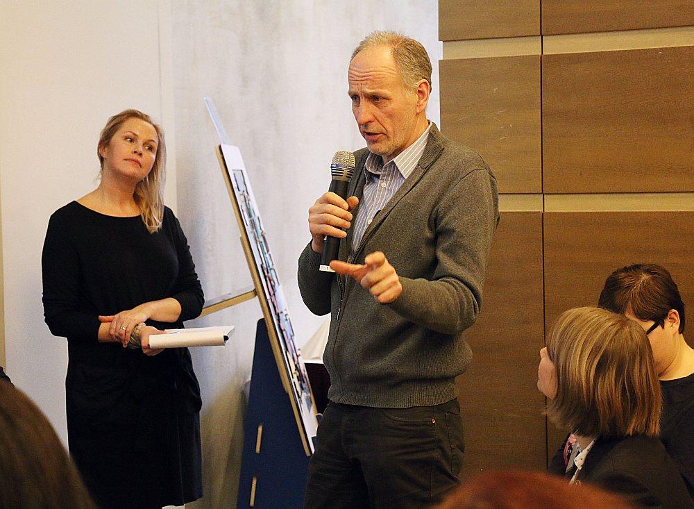 """12. janvārī notikušajā Eiropas Parlamenta (EP) biroja Latvijā organizētajā diskusijā ES mājā """"Eiropas preču duālā kvalitāte – kādi turpmākie soļi?"""" iesaistījās arī apmeklētāji."""