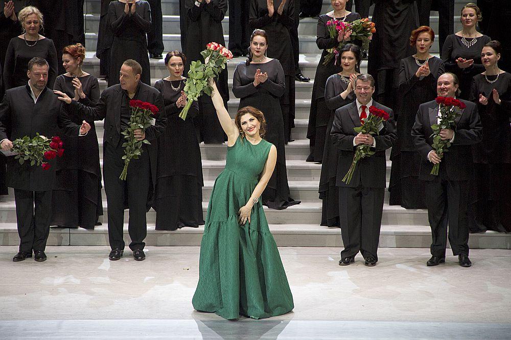 Četru viesmākslinieku, arī Azerbaidžānā dzimušās Maskavas Lielā teātra solistes Dināras Alijevas, sniegumā bija dzirdamas ne tikai izkoptas un pievilcīgas balsis, bet arī patiesi profesionāli priekšnesumi visos interpretācijas mākslas aspektos.