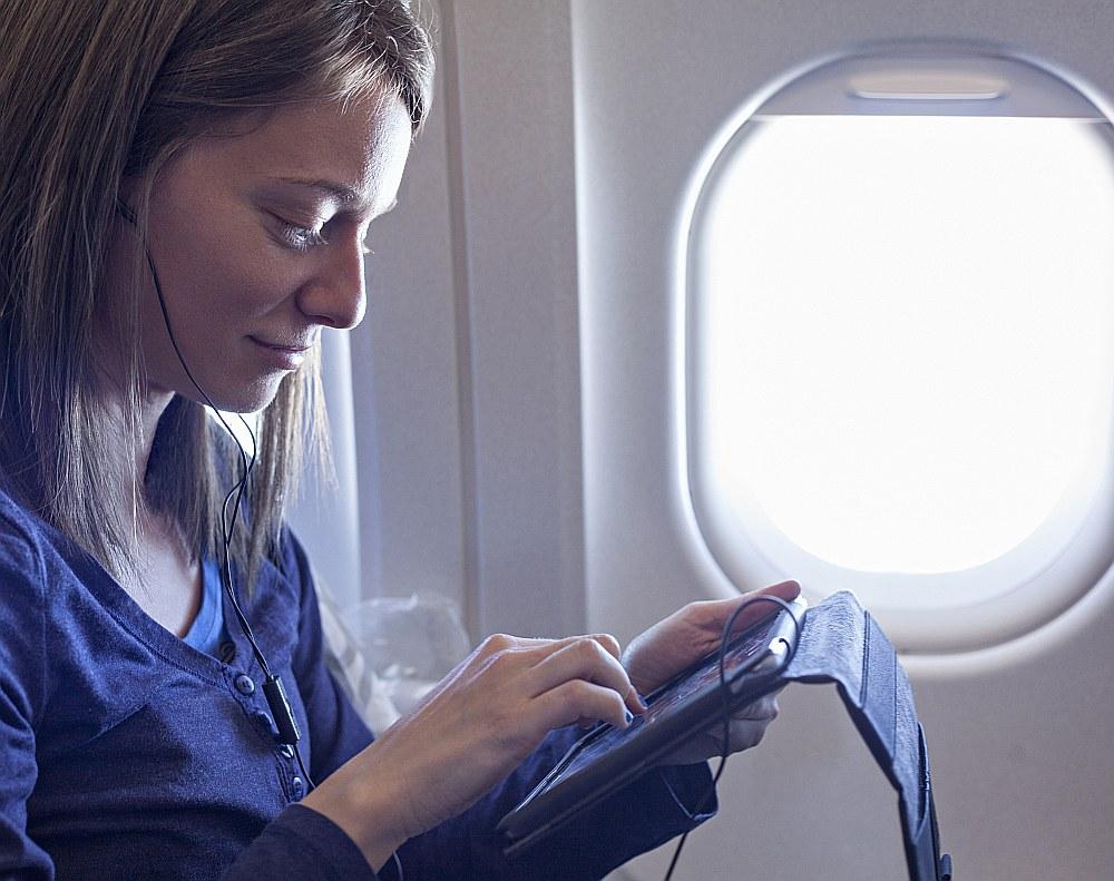 """Eiropā internetu par velti nodrošina Norvēģijas zemo cenu lidsabiedrība """"Norwegian"""", kā arī Spānijas """"Vueling Airlines""""."""