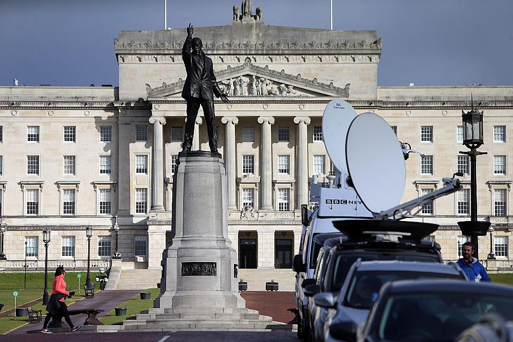 Britānijas premjerministres Terēzas Mejas un Īrijas premjerministra Teo Varadkara sarunas Ziemeļīrijas galvaspilsētā Belfāstā varētu veicināt Ziemeļīrijas valdības darba atjaunošanu un breksita sarunu raitāku virzību.