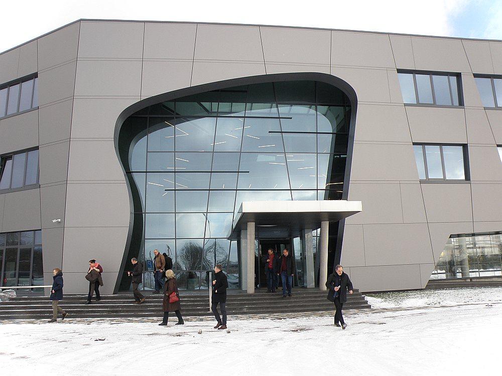 """SIA """"CTB"""" biroju ēka Liepājā."""