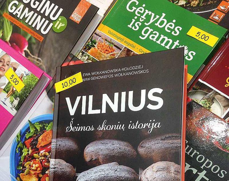 Daļa no daudzveidīgā grāmatu klāsta Viļņas Grāmatu tirgū.