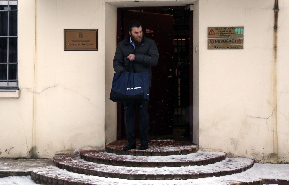 Māris Sprūds iziet no cietuma, 16.02.2018.