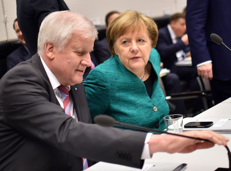 Horsts Zēhofers un Angela Merkele