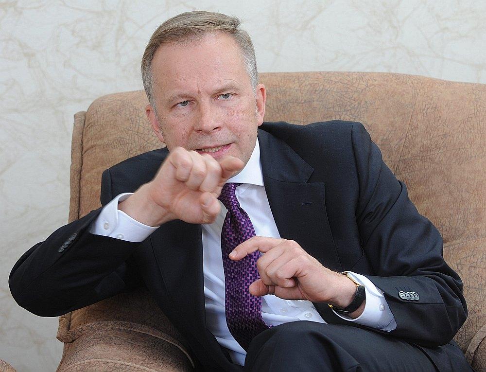 Latvijas Bankas prezidents Ilmārs Rimšēvičs savu aizturēšanu, ko veicis KNAB, uzskata par nelikumīgu.