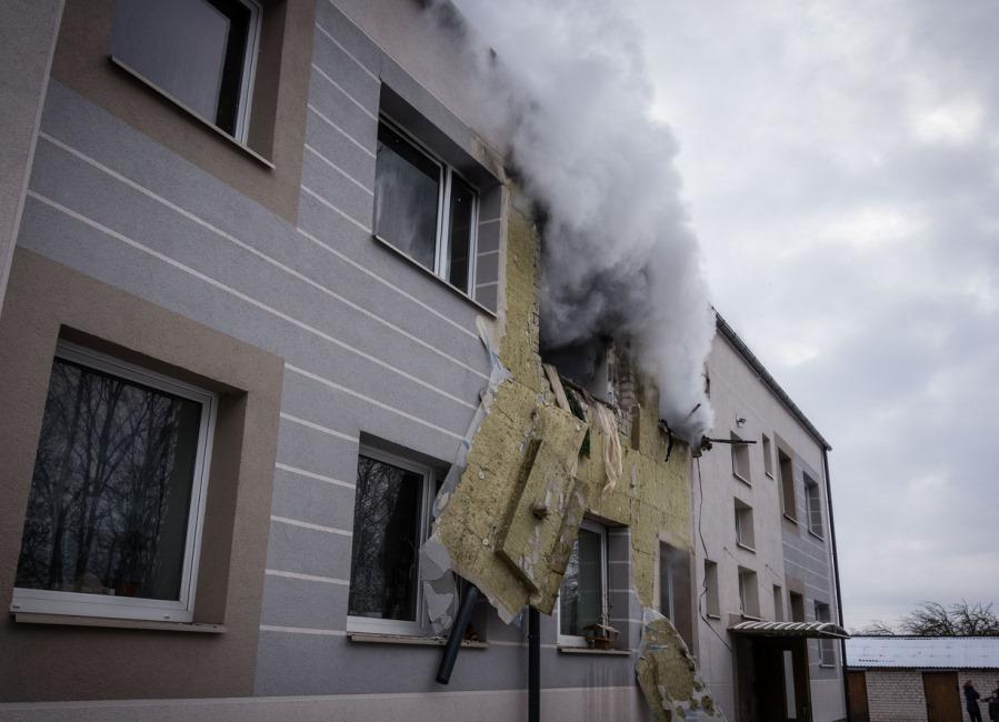 Nīcā dzīvojamā ēkā noticis, iespēajms, gāzes balona sprādziens 18.02.2018.