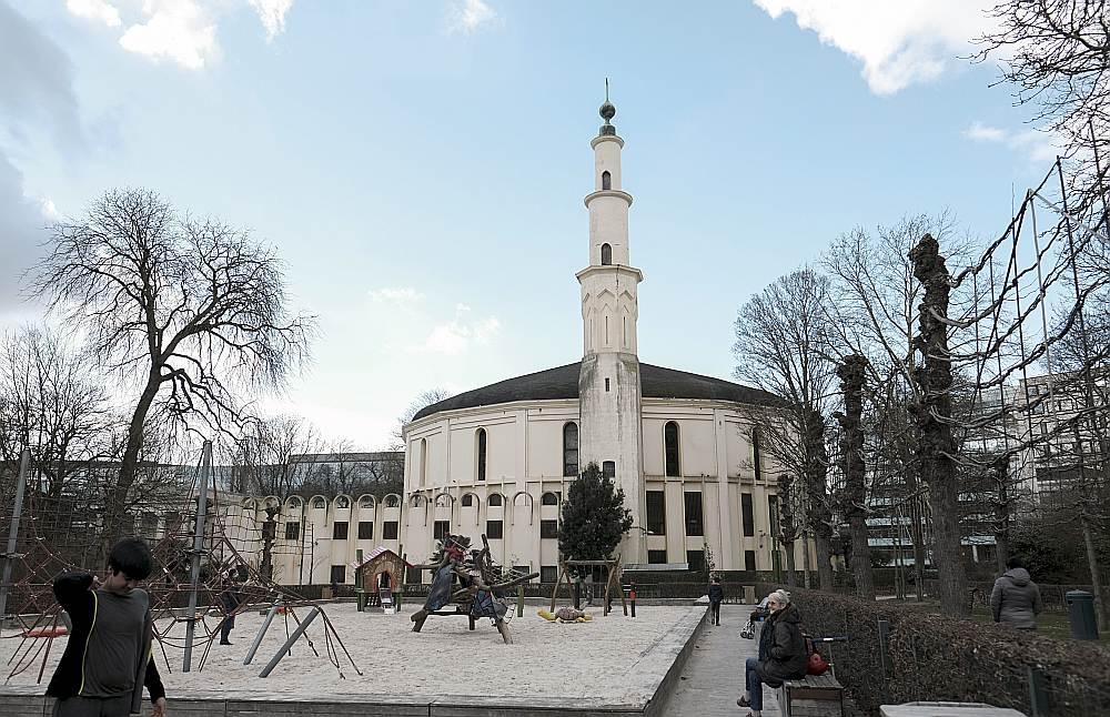 Lielā mošeja atrodas Briseles centrā netālu no ES galvenās mītnes.