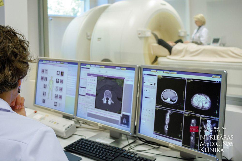 Apvienojot divas izmeklēšanas metodes, tiek iegūti vairāki tūkstoši attēlu, kas ļauj ieraudzīt izmaiņas šūnu līmenī.