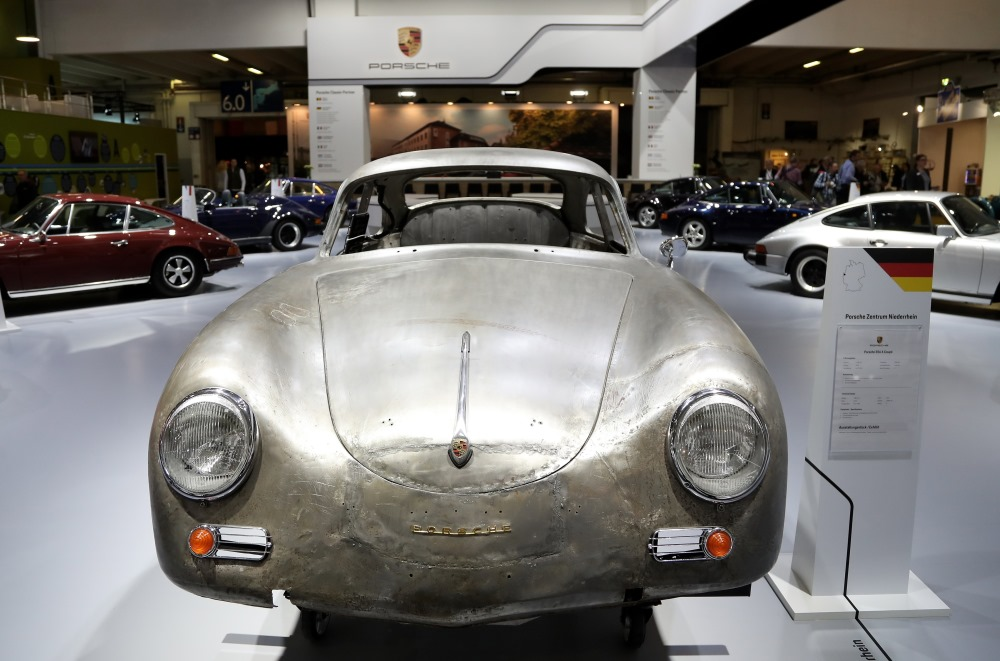 """Porsche 356 A kupeja – jaunais """"vintage"""" modelis, izstādē Esenē, Vācijā, 21.03.2018."""
