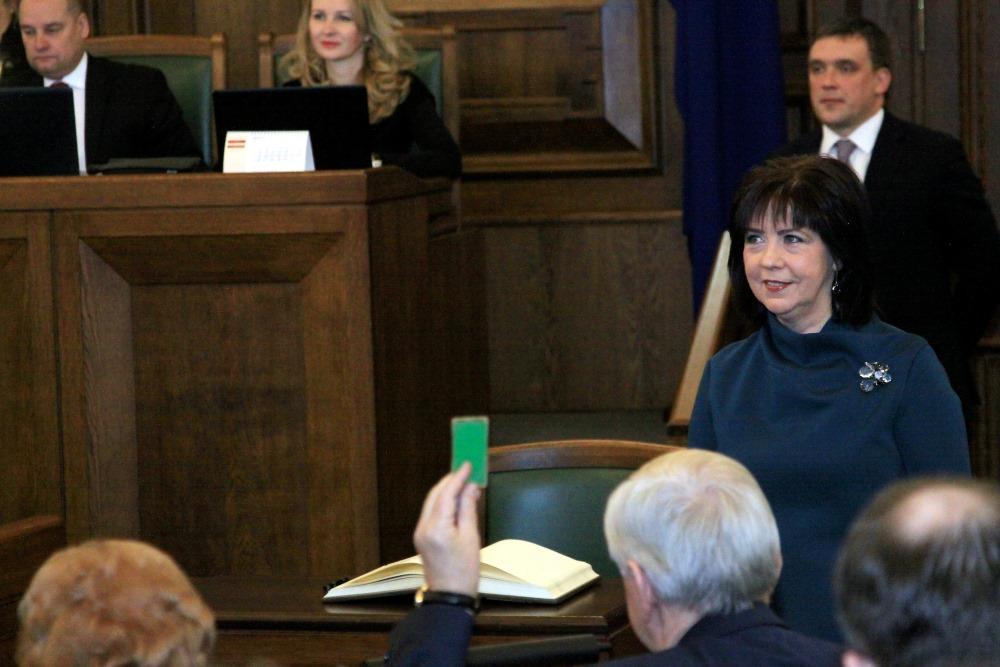 Inese Aizstrauta  Saeimas sēdē, 08.03.2018.