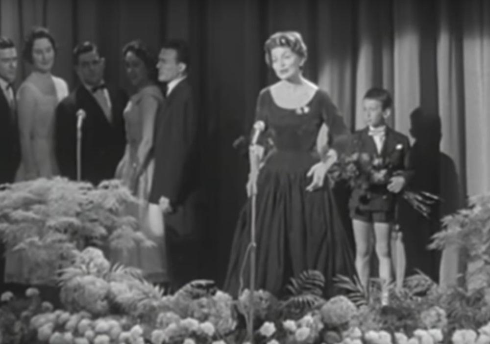 """94 gadu vecumā Šveicē sestdien, 24.martā, mūžībā aizgājusi pirmā dziesmu konkursa """"Eirovīzija"""" uzvarētāja Līza Asija."""