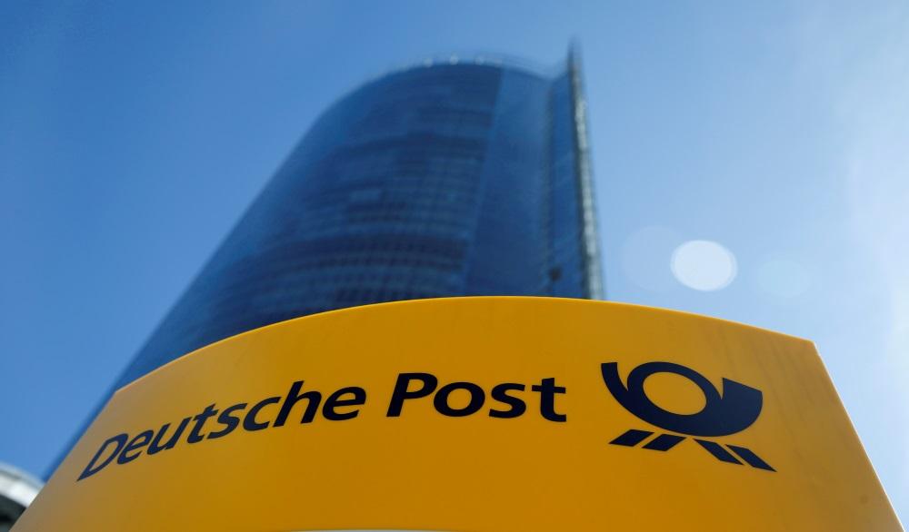 """""""Deutsche Post"""" logo."""