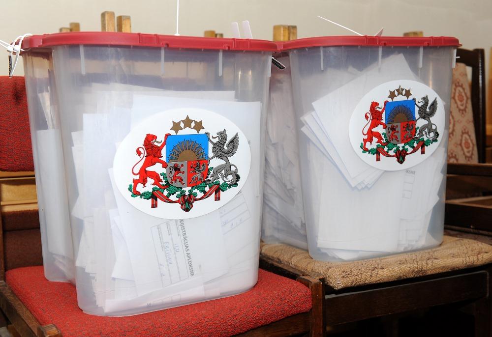 Ilustratīvs foto. Saeimas vēlēšanu urnas.