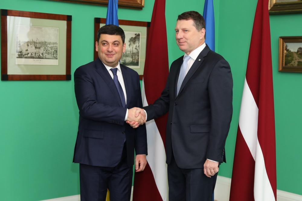 Valsts prezidents Raimonds Vējonis tiekas ar Ukrainas premjerministru Volodimiru Groismanu.