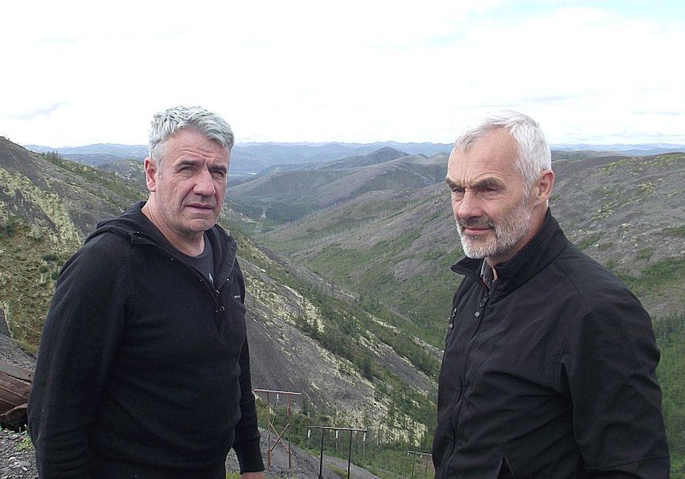 Brāļi Ēriks (no labās) un Mārtiņš Vilsoni Kolimas ceļojumā.
