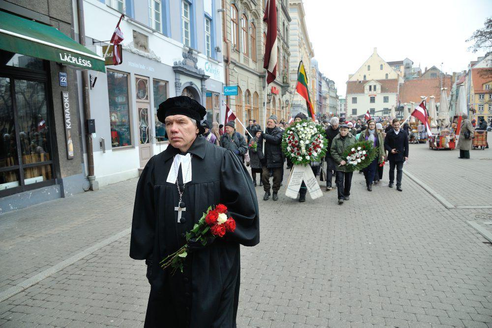 Komunistiskâ genocîda upuru piemiņas dienâ 2018.gada 25.martā notiek gâjiens no Latvijas Okupâcijas muzeja lîdz Brîvîbas piemineklim