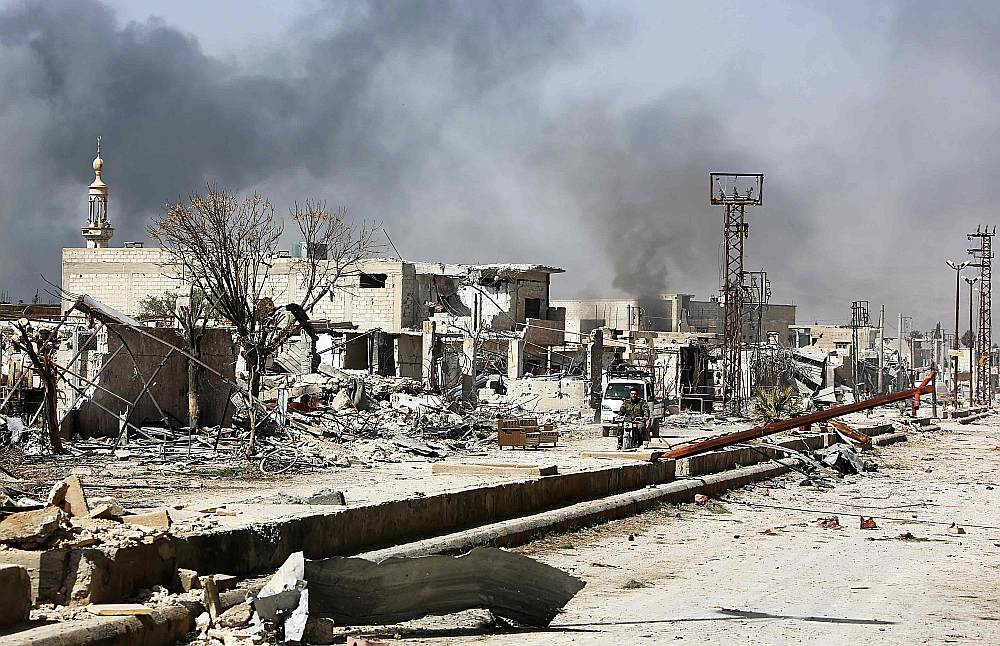 Austrumgutas aplenkumā atrodas apmēram 400 000 cilvēki un uzlidojumos, artilērijas apšaudēs un raķešu triecienos kopš 18. februāra nogalināti aptuveni 700 civiliedzīvotāji.