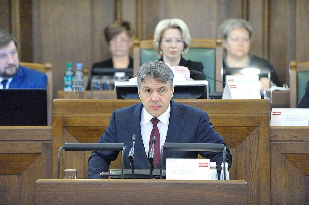 Tiesībsargs Juris Jansons atgādināja, ka Eiropas Savienības valstu vidū tikai Bulgārijā ir vēl lielāka ienākumu nevienlīdzība kā Latvijā.