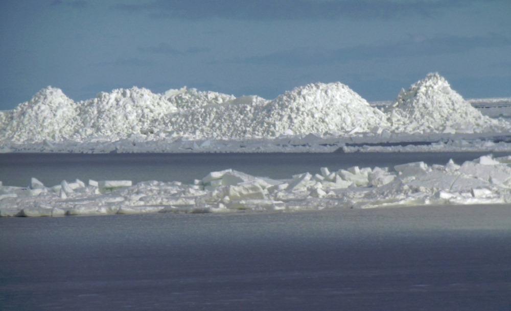 Ledus krāvumi Kaltenē, Rojas novadā.