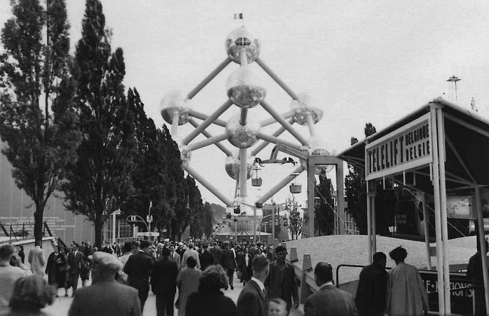 "Aina Briseles EXPO un ""Atomiums""."