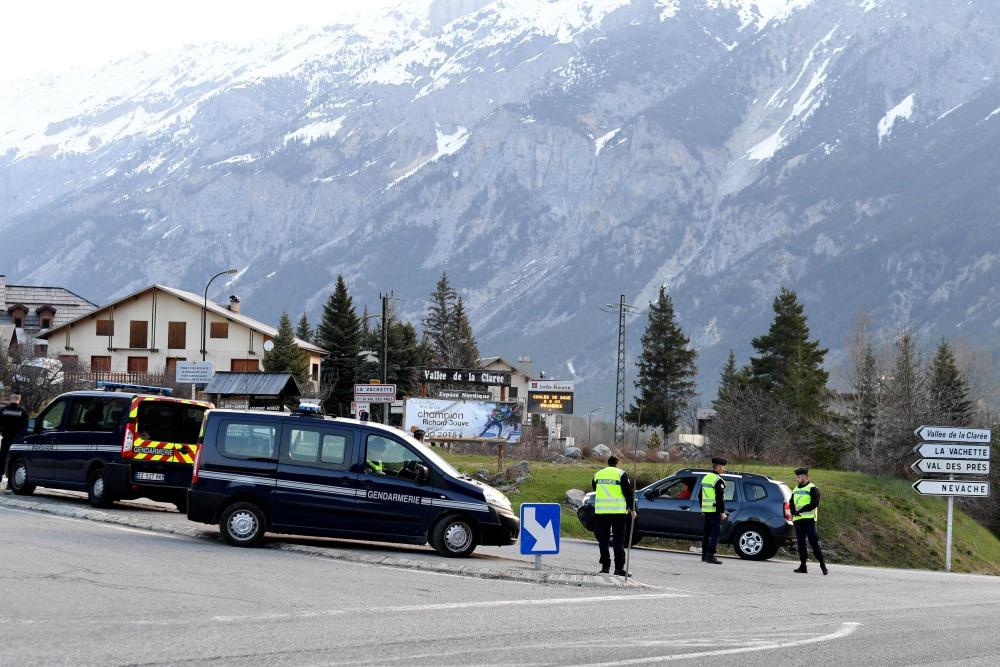 Uz Francijas un Itālijas robežu Alpos nosūta policijas papildspēkus, 23.04.2018.
