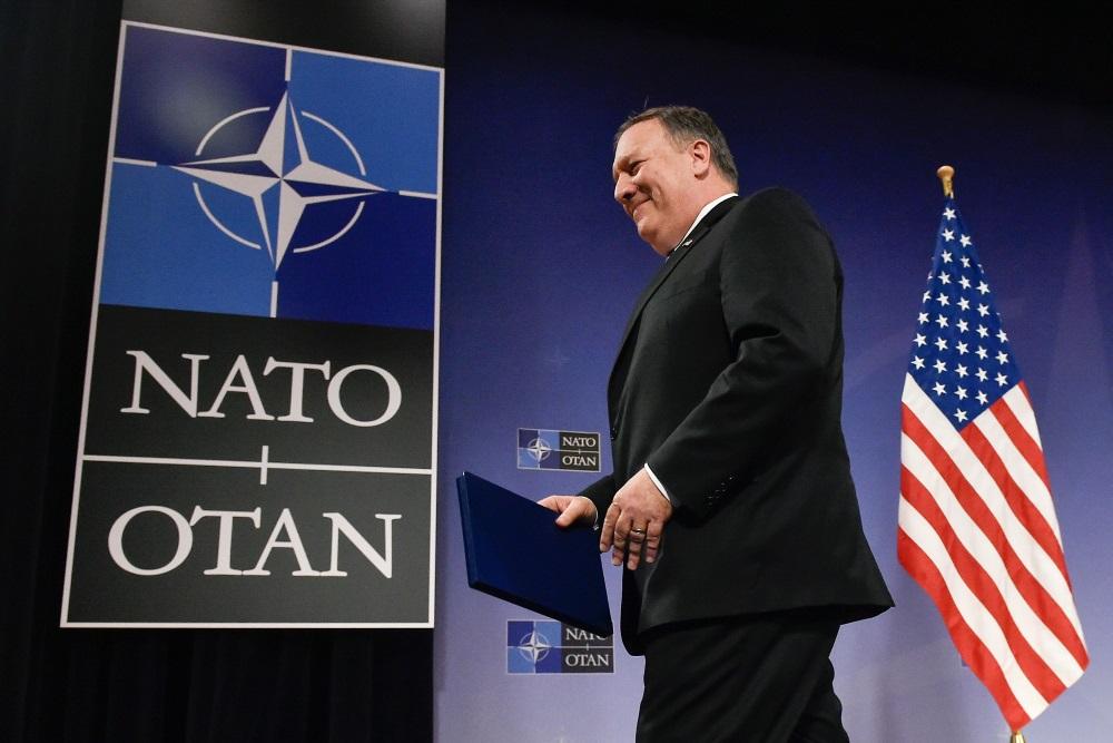 ASV jaunais valsts sekretārs Maiks Pompeo sanāksmē Briselē, 27.04.2018.