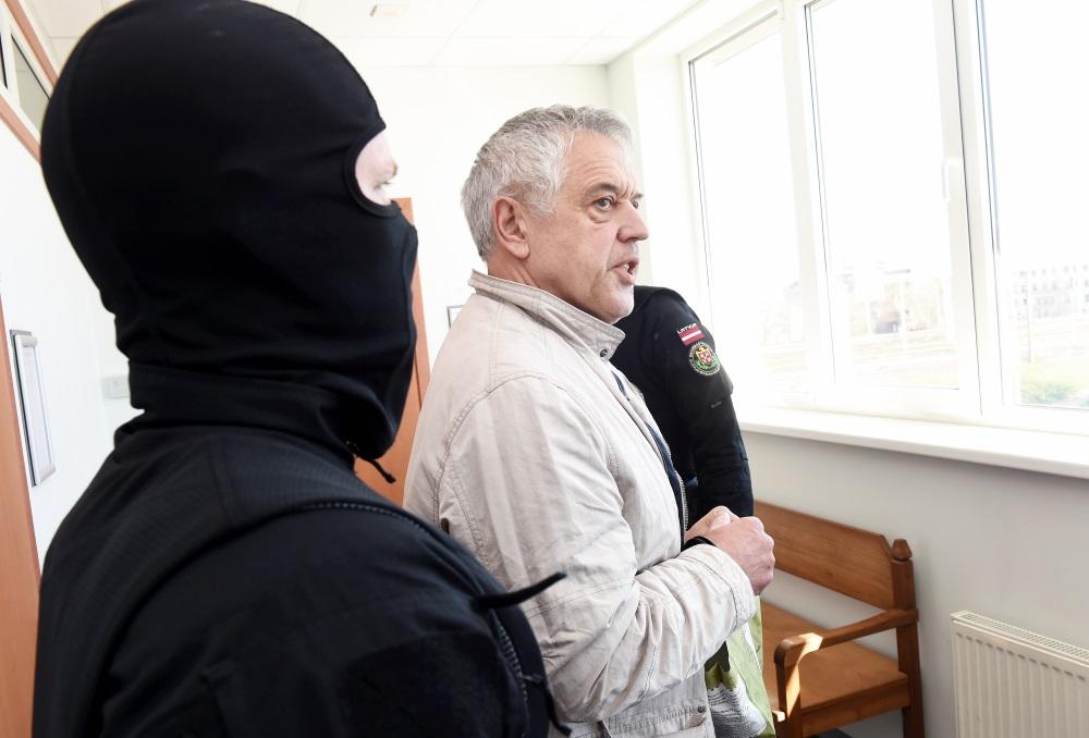 Drošības policija aizturēja Aleksandru Gapoņenko, šodien Rīgas Centrālcietumā viņš pieteicis badastreiku – dzer tikai ūdeni. Foto – 21.04.2018.