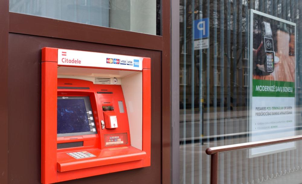 """Banka """"Citadele"""" jau kopumā atlīdzības izmaksājusi turpat 5000 """"ABLV Bank"""" klientiem, 03.04.2018."""