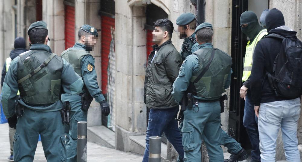 Policija aiztur cilvēku kontrabandistu Bilbao, Spānijā, 19.03.2018.
