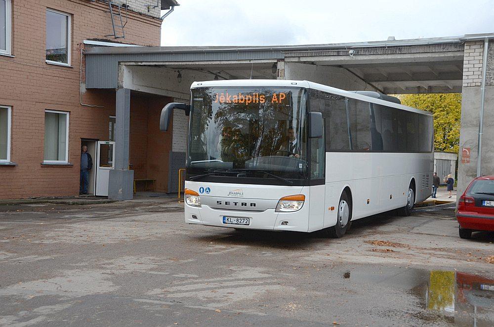 """Maija beigās vai jūnija sākumā """"Jēkabpils autobusu parks"""" sāks nodrošināt autobusu pēc pieprasījuma."""