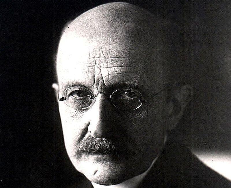 Makss Planks (1858 – 1947)